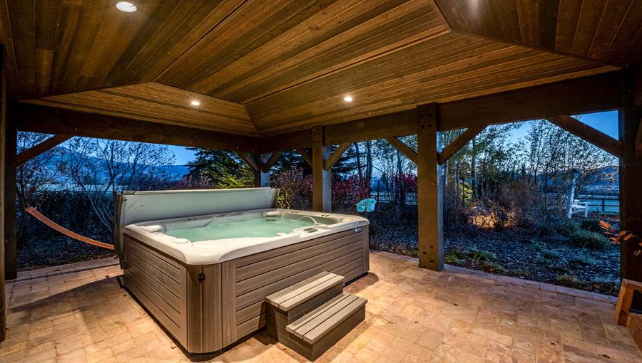 Serenity Ranch Exterior Hot Tub